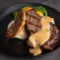 Steak Filet with Duck Foie Gras *<br>精選牛柳配香煎鴨肝